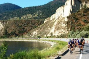 Valley First GranFondo Axel Merckx Okanagan riders head north along Okanagan Lake. Photo: VFGFAMO