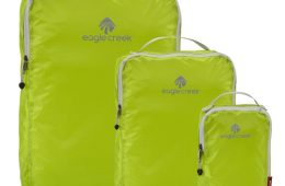 The EC Specter Cube Set comes in different colors, which makes it easy to organize by traveler.