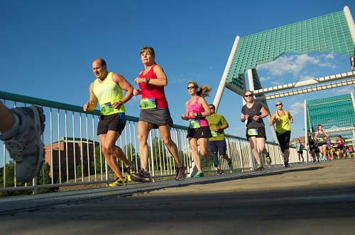 Runners crossing the Don Kardong Bridge one mile after starting the Negative Split Half Marathon. Photo: Hank Greer