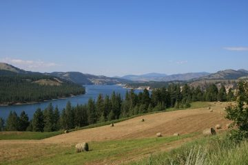 Lake Roosevelt from Hwy 25. Beautiful landscapes soothe the soul. Photo courtesy of National Park Service