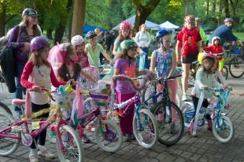 Summer Parkways bike decorating contest entrants. Photo: Hank Greer