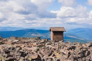 Privy with a view in the Northwest Peaks. Photo: Aaron Theisen
