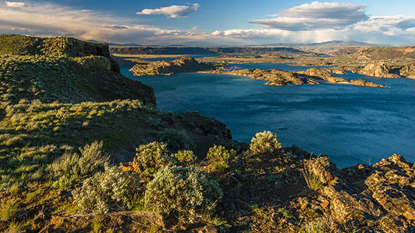 Aerial view of the Steamboat Rock State Park in Central Washington, with sagebrush and desert landscape.