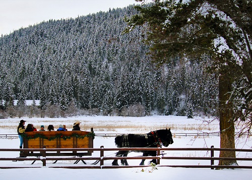 Sleigh riding at Bar W Guest Ranch in Whitefish © Brian Schott