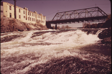 Spokane River and Falls in downtown (December 1970).