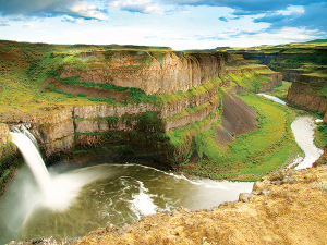 Photo of Palouse Falls by Shallan Knowles.