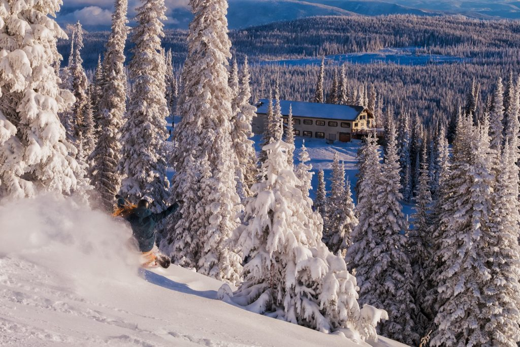 With the First Tracks program, get in early-bird laps before breakfast at the Sunburst Bar + Eatery (Photo: Aaron Theisen)