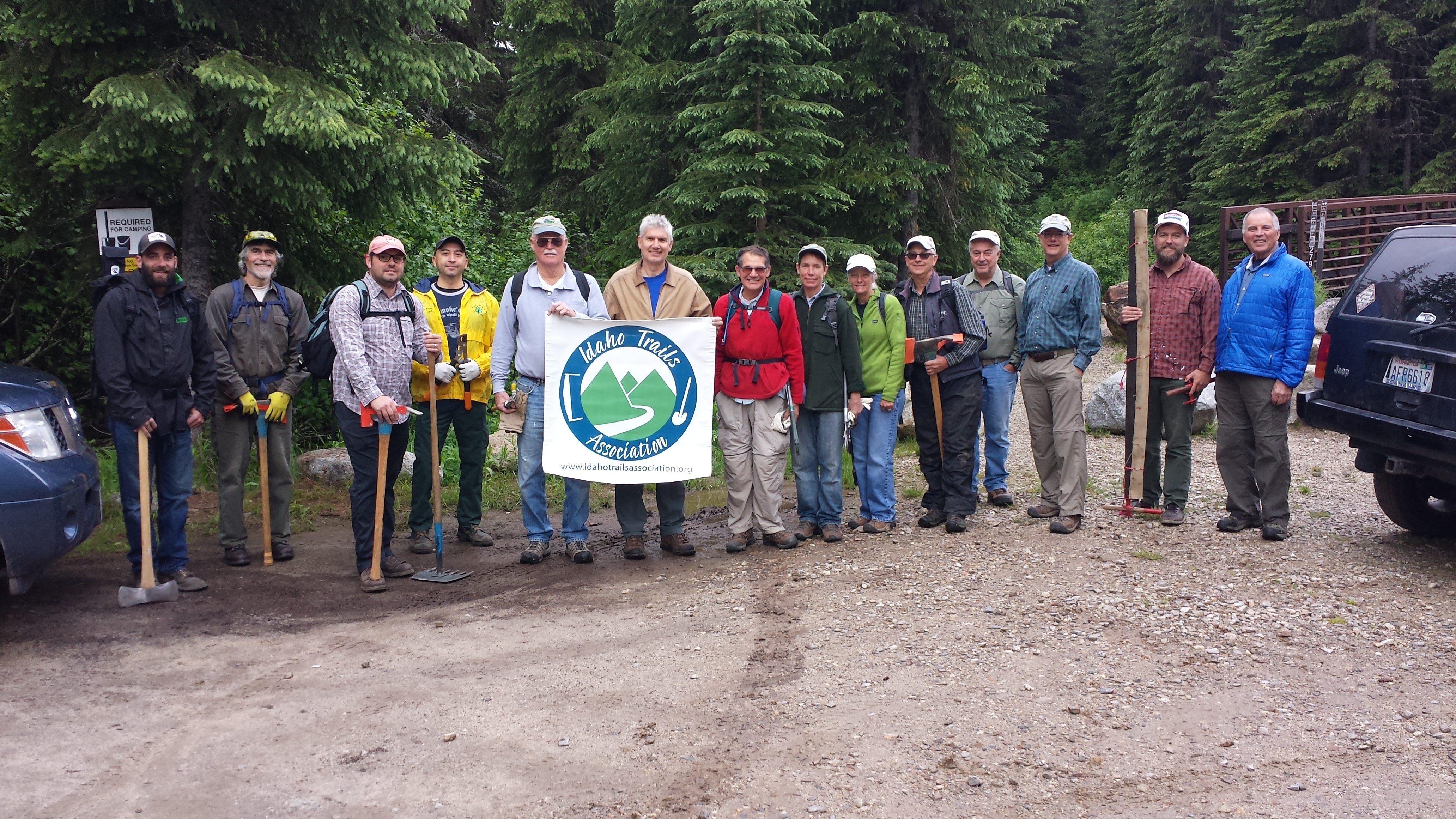 A group of ITA Volunteers are ready to work on the Beehive Lake Trail north of Sandpoint, Idaho (Photo: ITA)