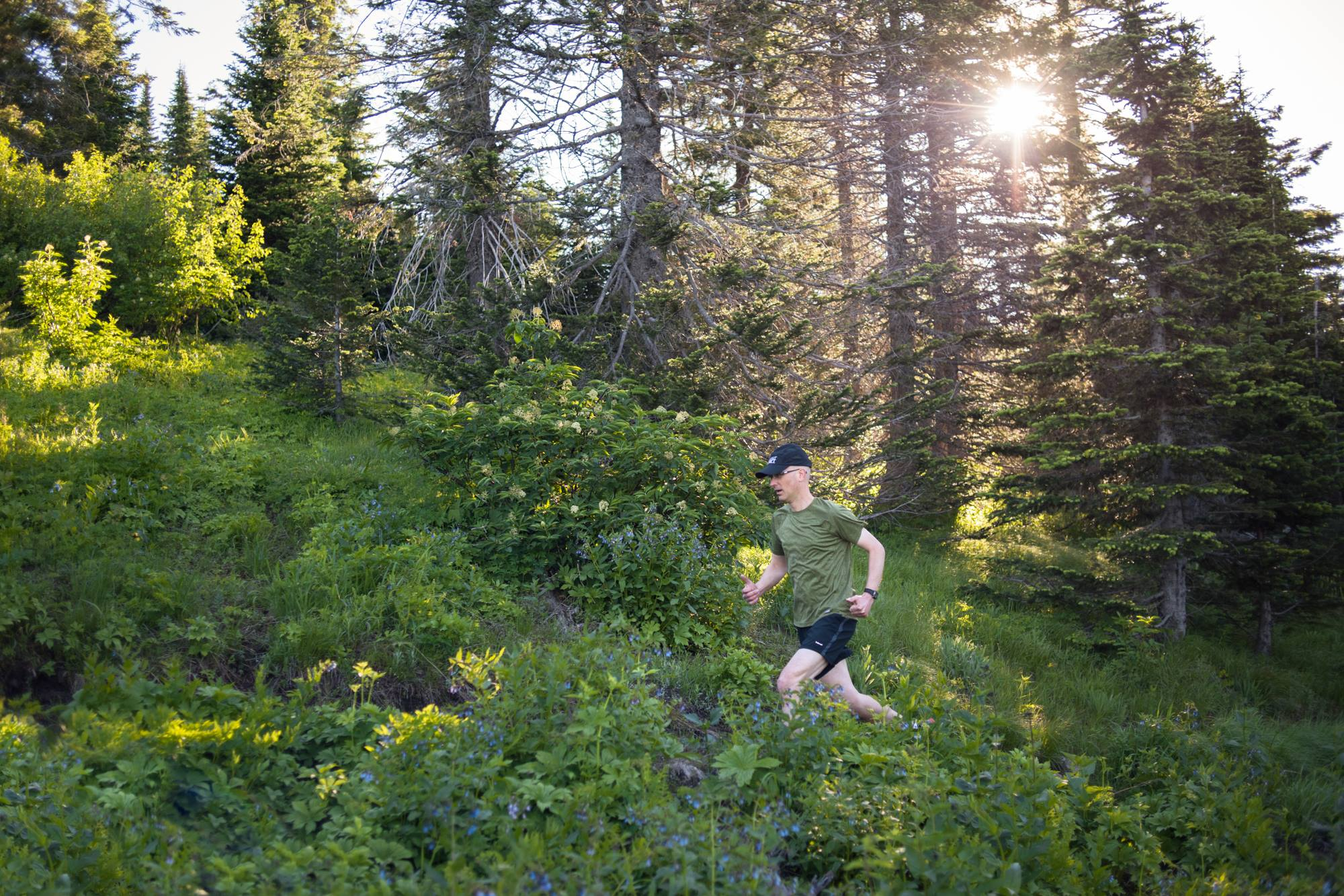 Brad Thiessen runs on Mount Spokane (Photo: Craig Goodwin)