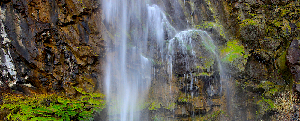 Photo of the waterfall at Frenchman Coulee.