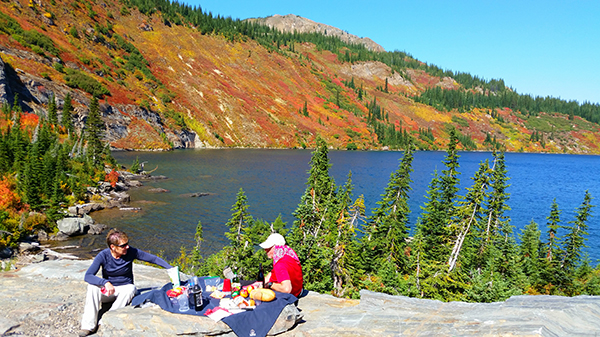 Photo of picnicers at Heart Lake.