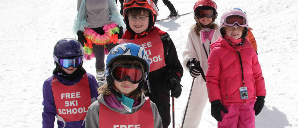 Photo of kids in Lookout's free ski school.