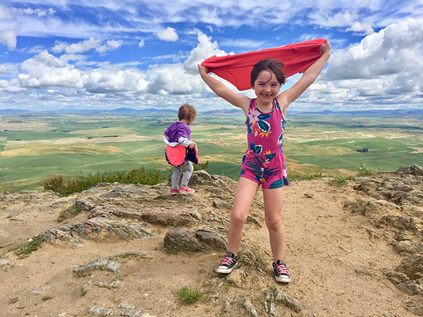 Photo of kids on top of Steptoe Butte.